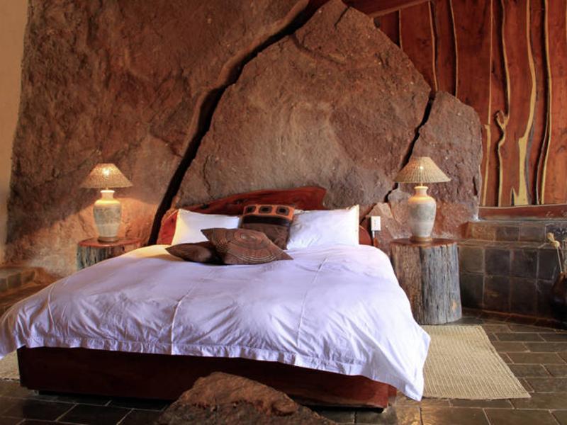 twyfelfontein-lodge-room-interior-2.jpg