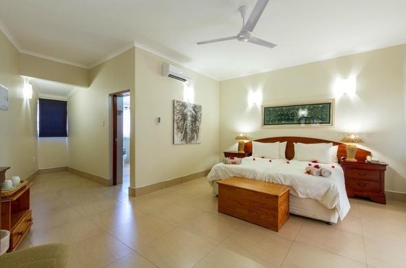 heritage-safari-lodge-twin-room-590x390.jpg