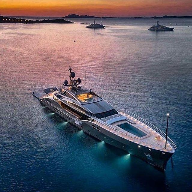 Shining bright like a 💎 #sanam  #yacht #yachts #superyacht #superyachts #yachtlifestyle #luxury #luxurylifestyle