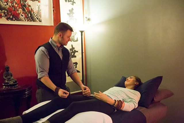 What can you expect when you come in for acupuncture? * Each session is 60 minutes long and will begin with a detailed discussion of your medical history followed by physical diagnosis consisting of three major forms of observation: 1) pulse diagnosis, 2) examining the tongue, and 3) palpation of the meridians in the arms, legs, and abdomen. These three things give deep insight into the meridian systems. * #acupuncture #acupunctureworks #acupuncturists #herbalmedicine #chinesemedicine #tcm #traditionalchinesemedicine #herbalife #acupuncturelife #alternativemedicine #alternativehealth #alternativehealing #holistichealth #holistichealing #holistic #health #chinese #qi #meridian #meridians #meridiansystem #meridianlouisville #louisville #kentucky #sharelouisville #mylouisville #igerslouisville #louisvillelove #louisvillelocal