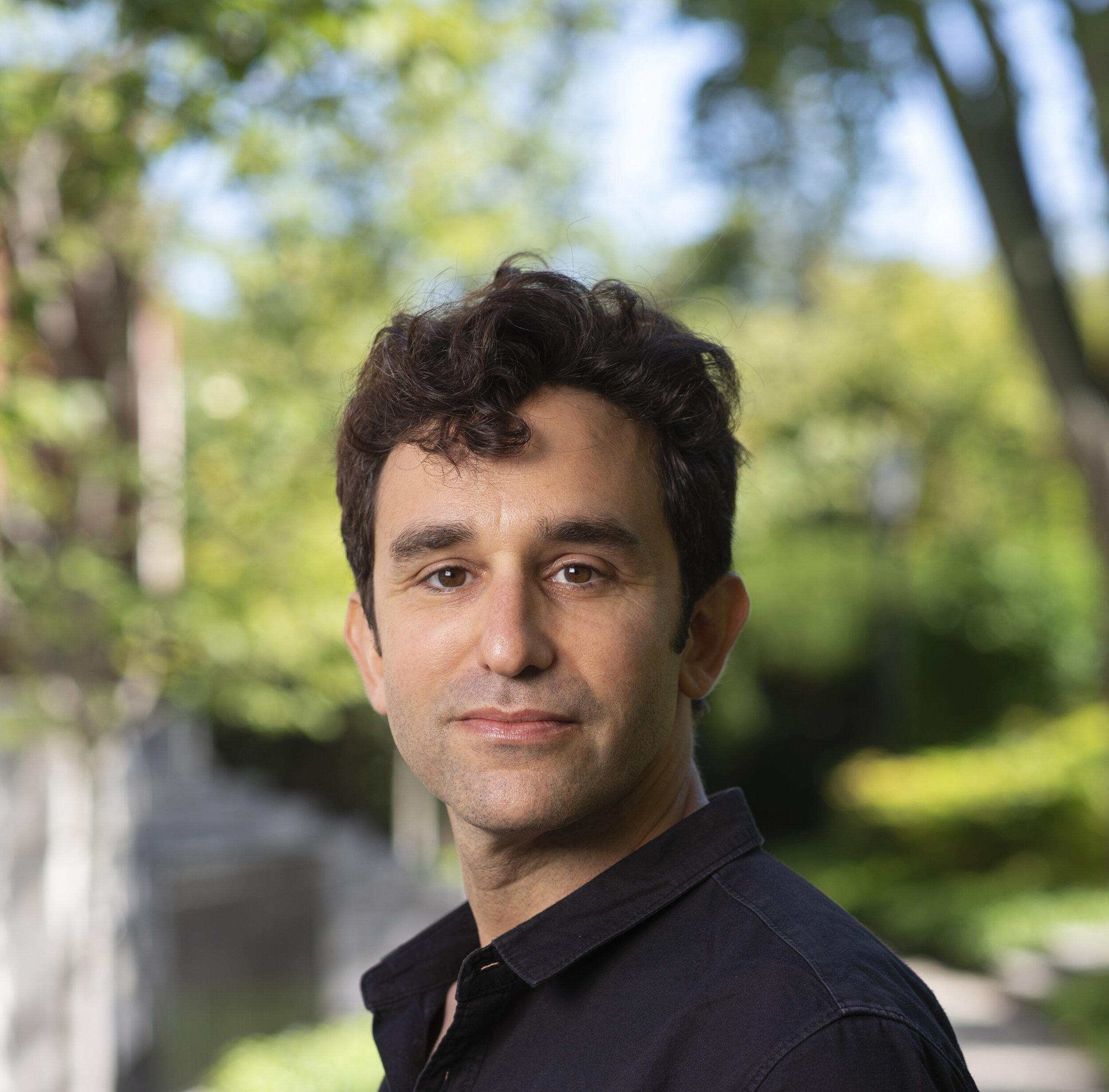 David Gruber headshot at Radcliffe.jpg