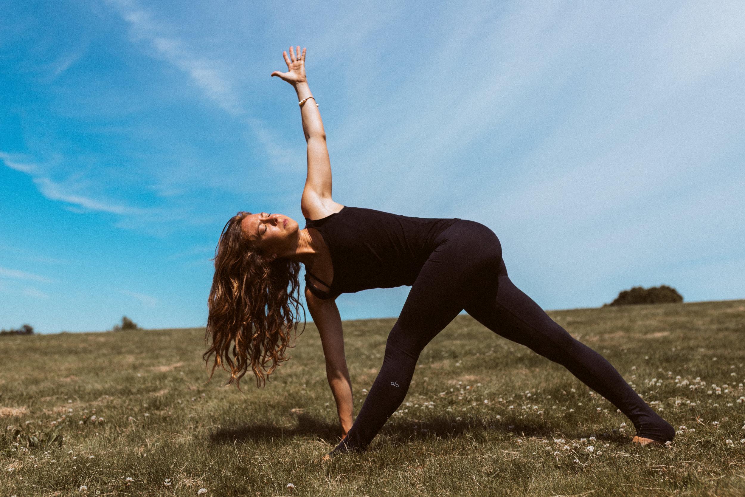 Samantha Hoff yoga.jpg