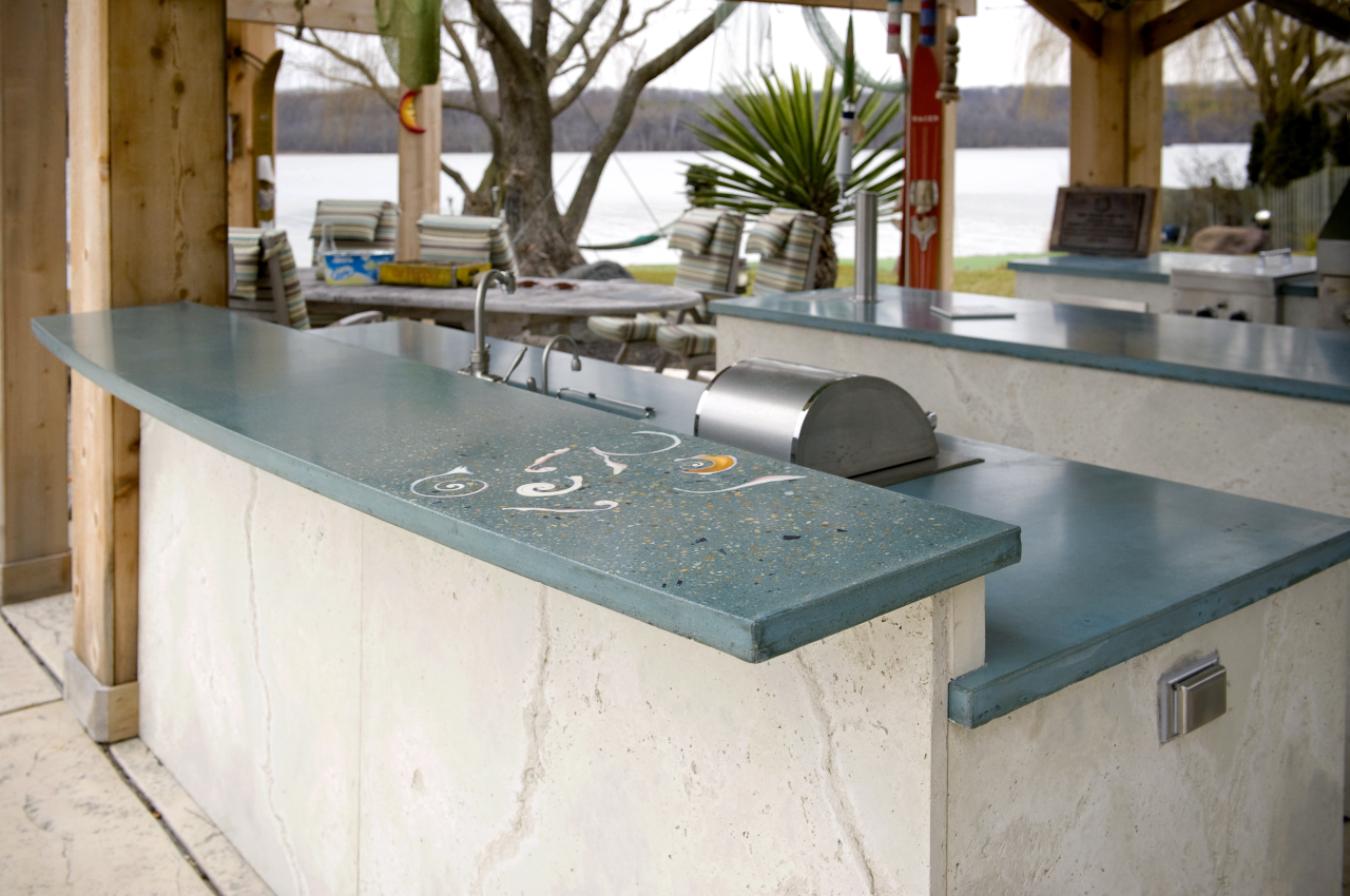 Outdoor kitchen -