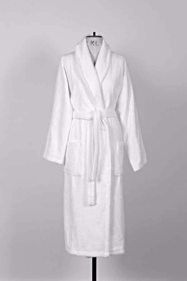 white_bathrobe.jpg