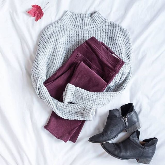 It's undeniably Fall here in New England and I gotta say, the crisp air is so welcome!  Meanwhile, Florida and Texas friends, I hope it cools down soon. 😂 💕  #ootd #ootdfashion #flatlay #flatlaystyle #flatlayphotography #photography #bostonphotographer #stylist #fashionstylist #myanthropologie #anthropologie