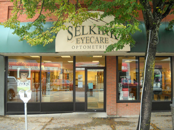 Selkirk Eyecare storefront in Nelson, BC.