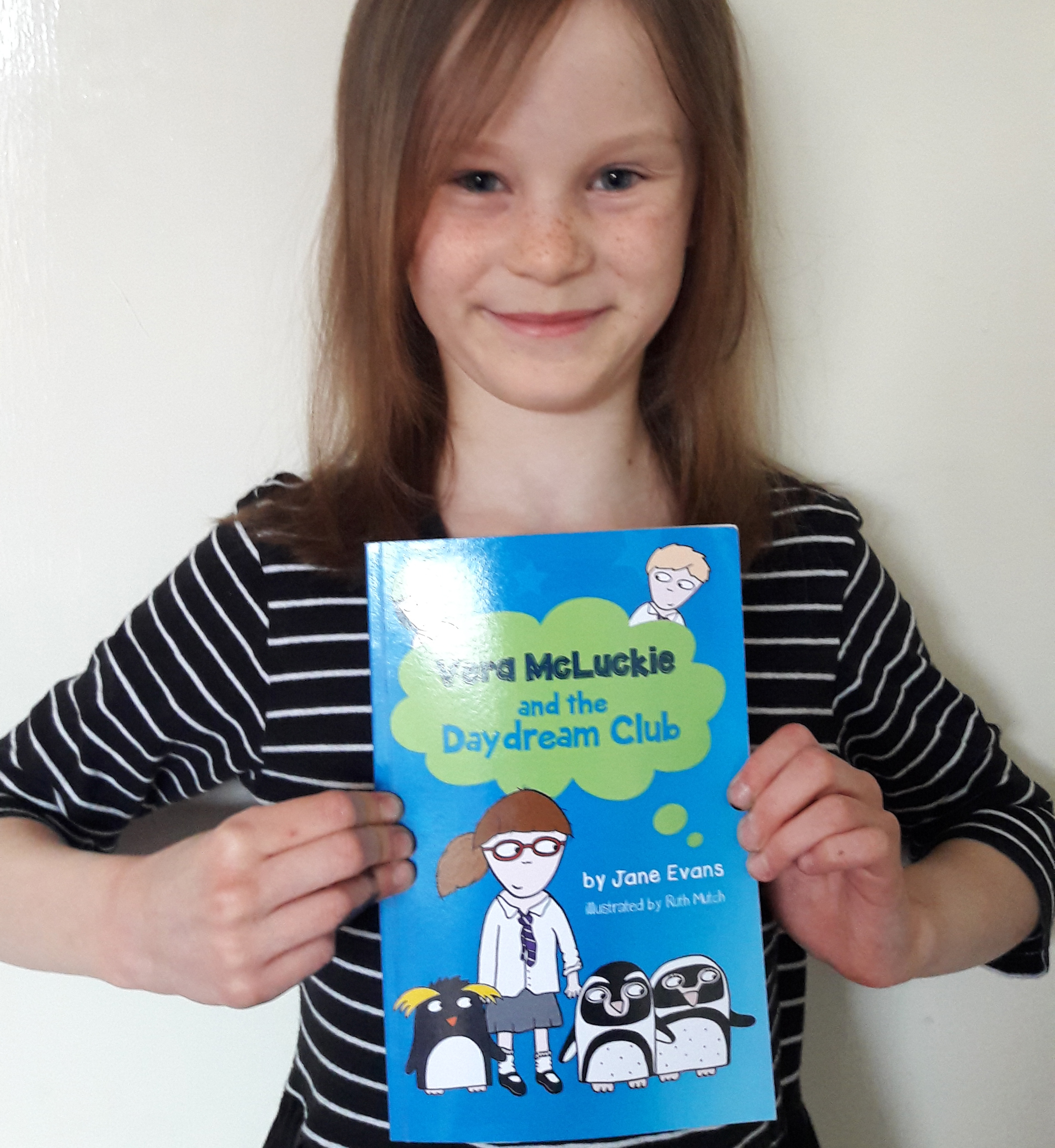 May 2017:  Anna Carlisle - who goes to school at Hill View Primary, Banbury, UK - was lucky enough to claim the last main prize to help the illustrator choose the 'hidden object' in the next Vera McLuckie story. We'll use the hidden object for another competition like this one.