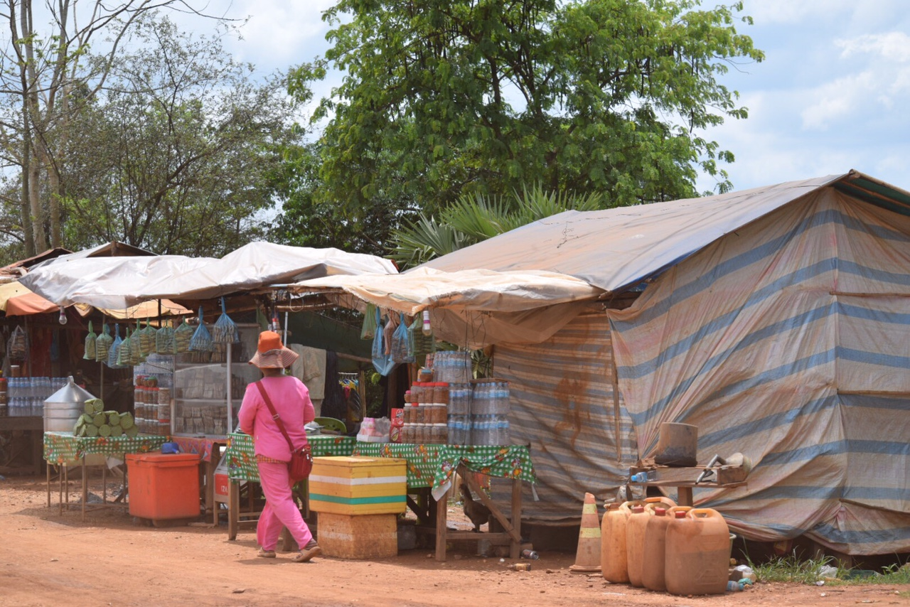 Markets line the roadside in every town and village.