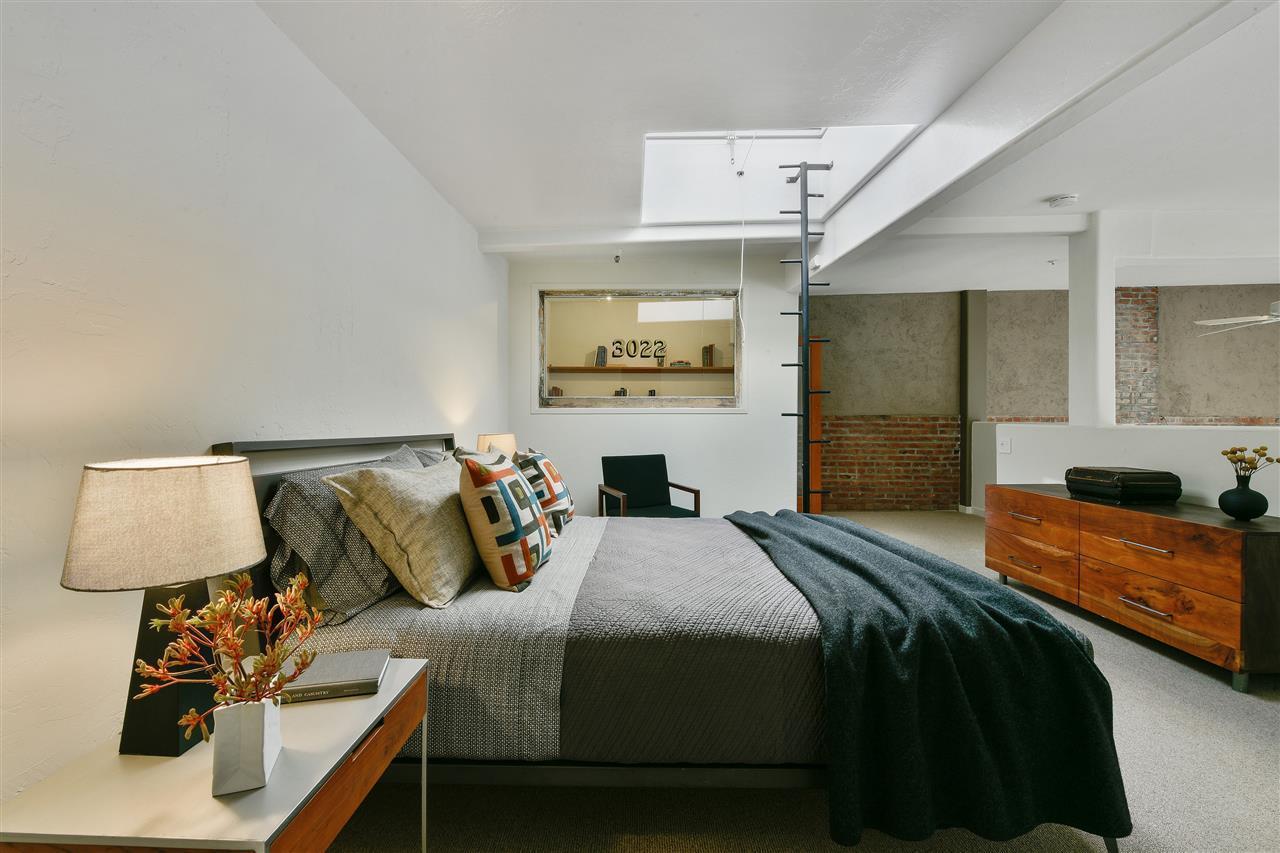 1095 loft bedroom.jpg