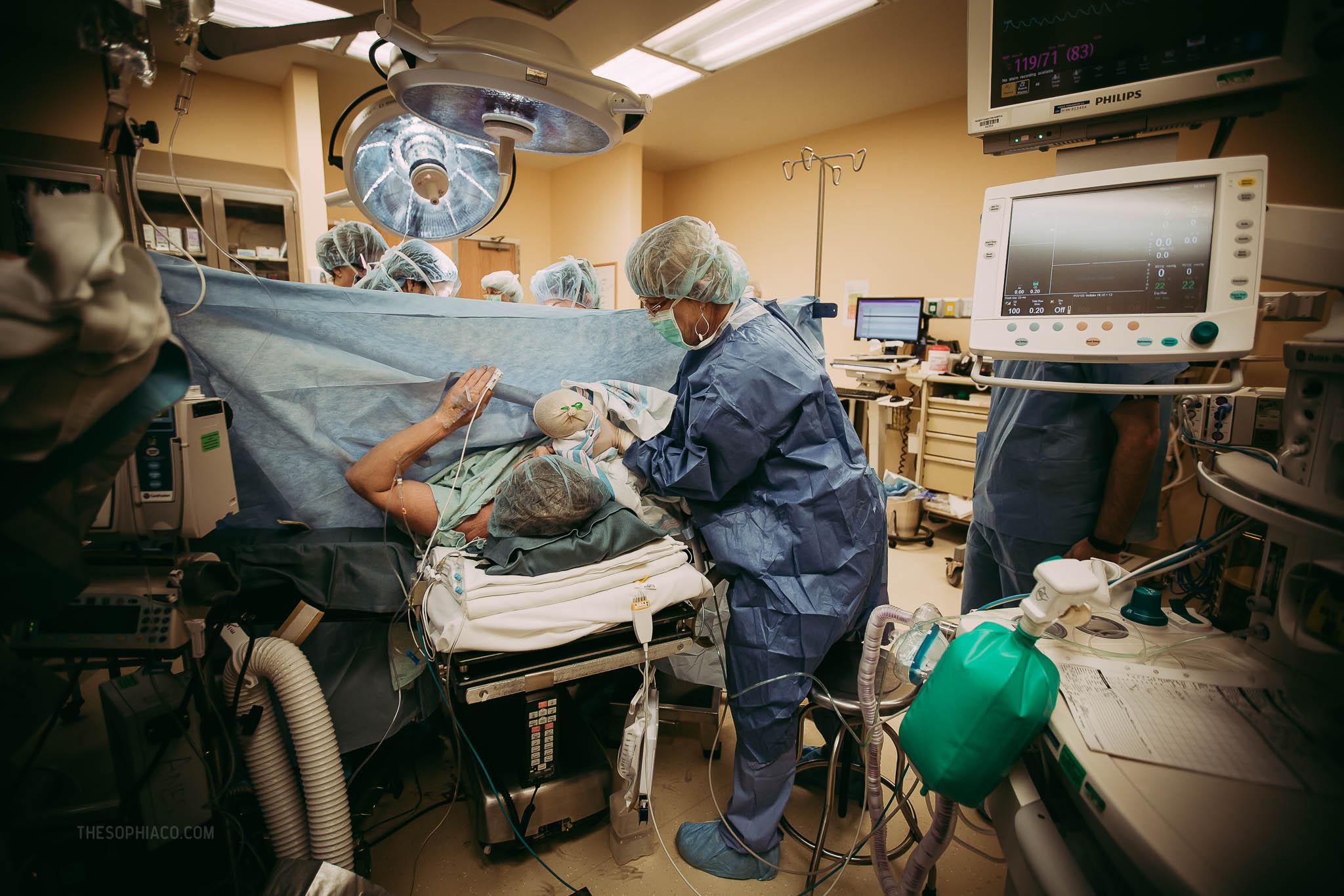 Oahu-Birth-Photographer-scheduled-cesarean-kaiser-20.jpg