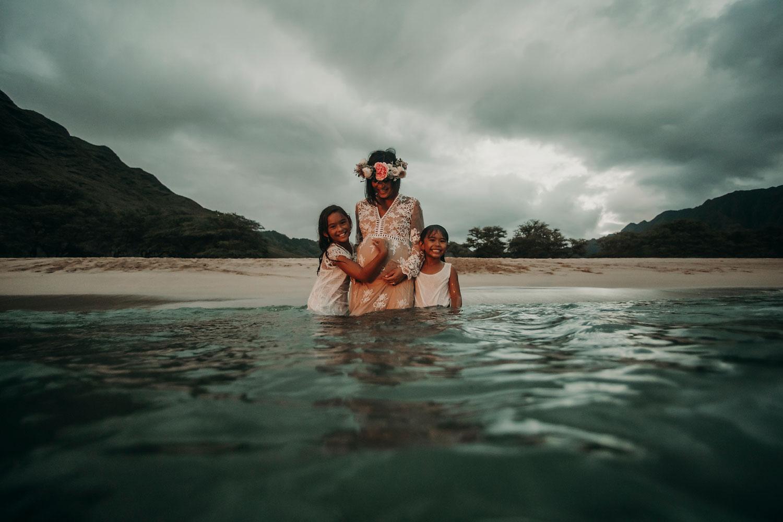 oahu-maternity-photographer-THE-SOPHIA-CO-22.jpg