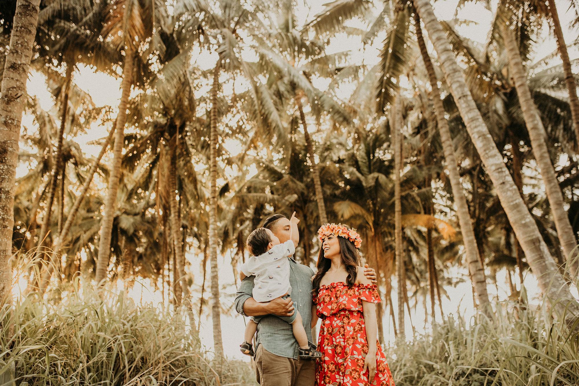 palm-tree-jungle-oahu-family-photographer-14.jpg
