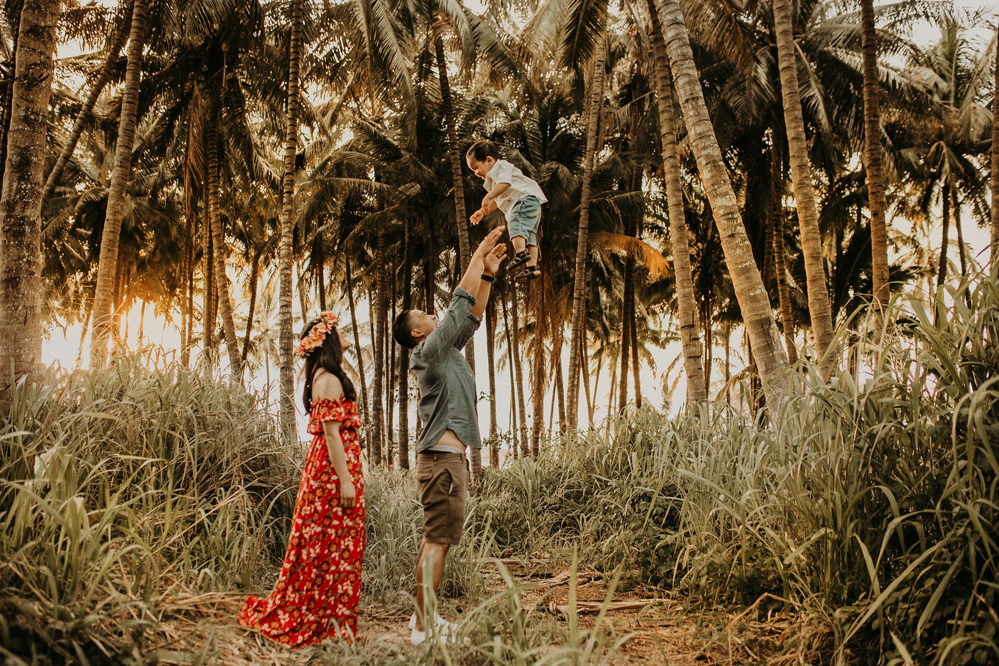 palm-tree-jungle-oahu-family-photographer-20.jpg