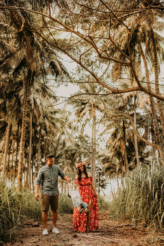 palm-tree-jungle-oahu-family-photographer-21.jpg