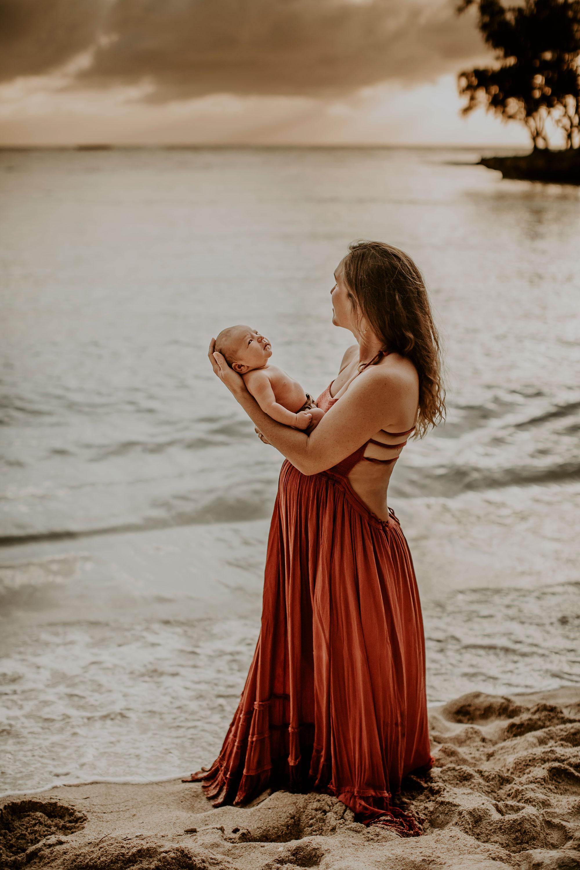 Hawaii-Outdoor-Newborn-Photography-19.jpg
