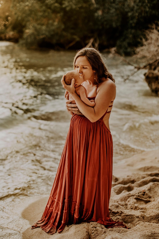 Hawaii-Outdoor-Newborn-Photography-20.jpg