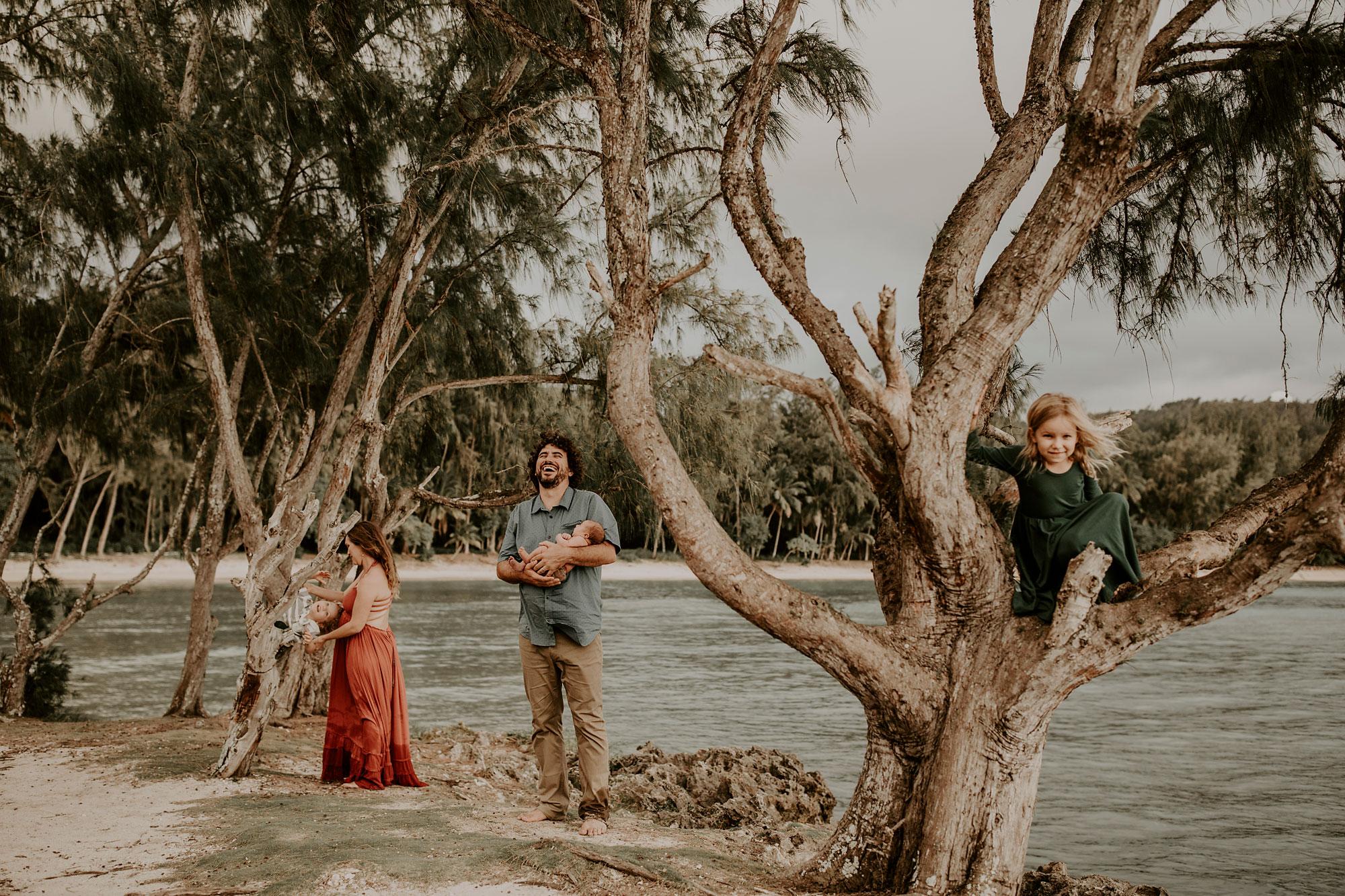 Hawaii-Outdoor-Newborn-Photography-23.jpg