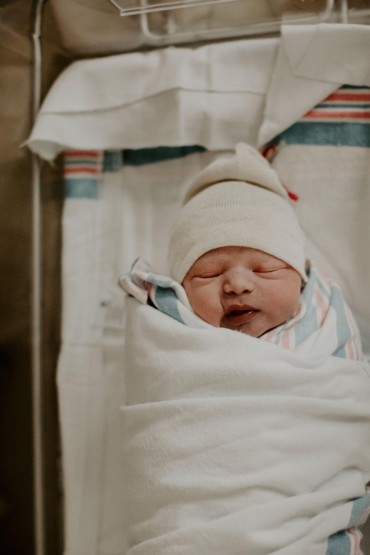Oahu-Birth-Photographer-Honolulu-Queens-Hospital-The-Sophia-Co-35.jpg
