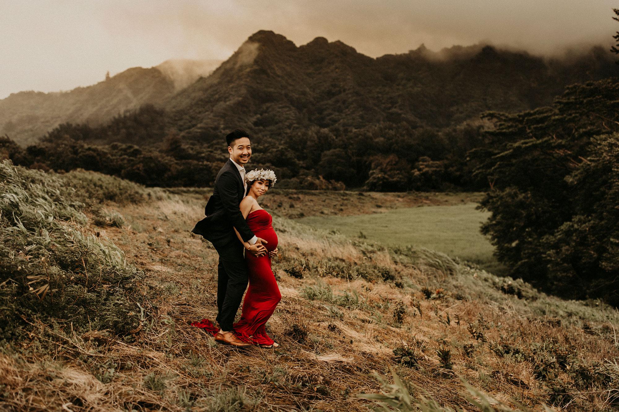 mountain-maternity-session-Hawaii-16.jpg