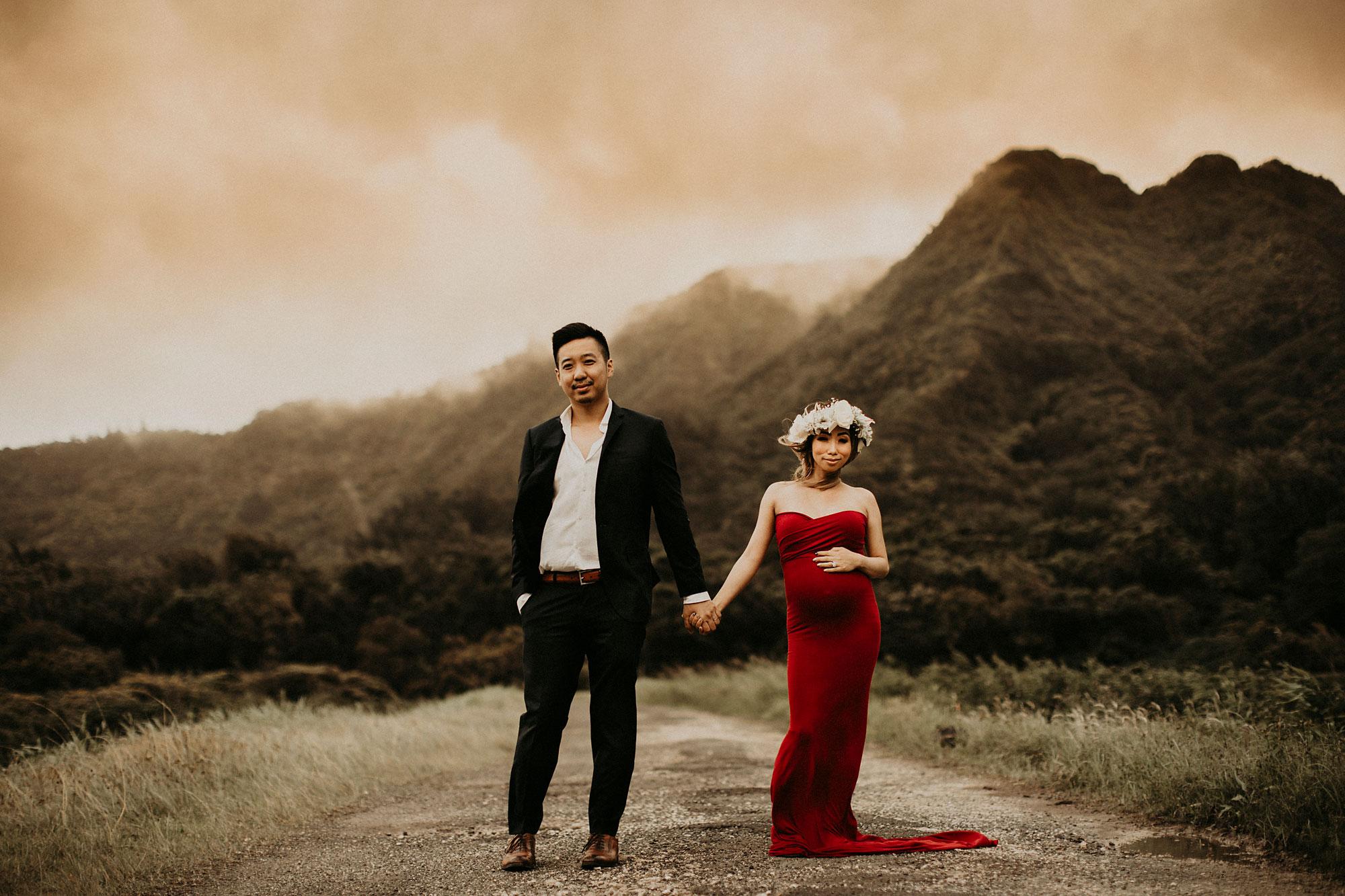 mountain-maternity-session-Hawaii-20.jpg