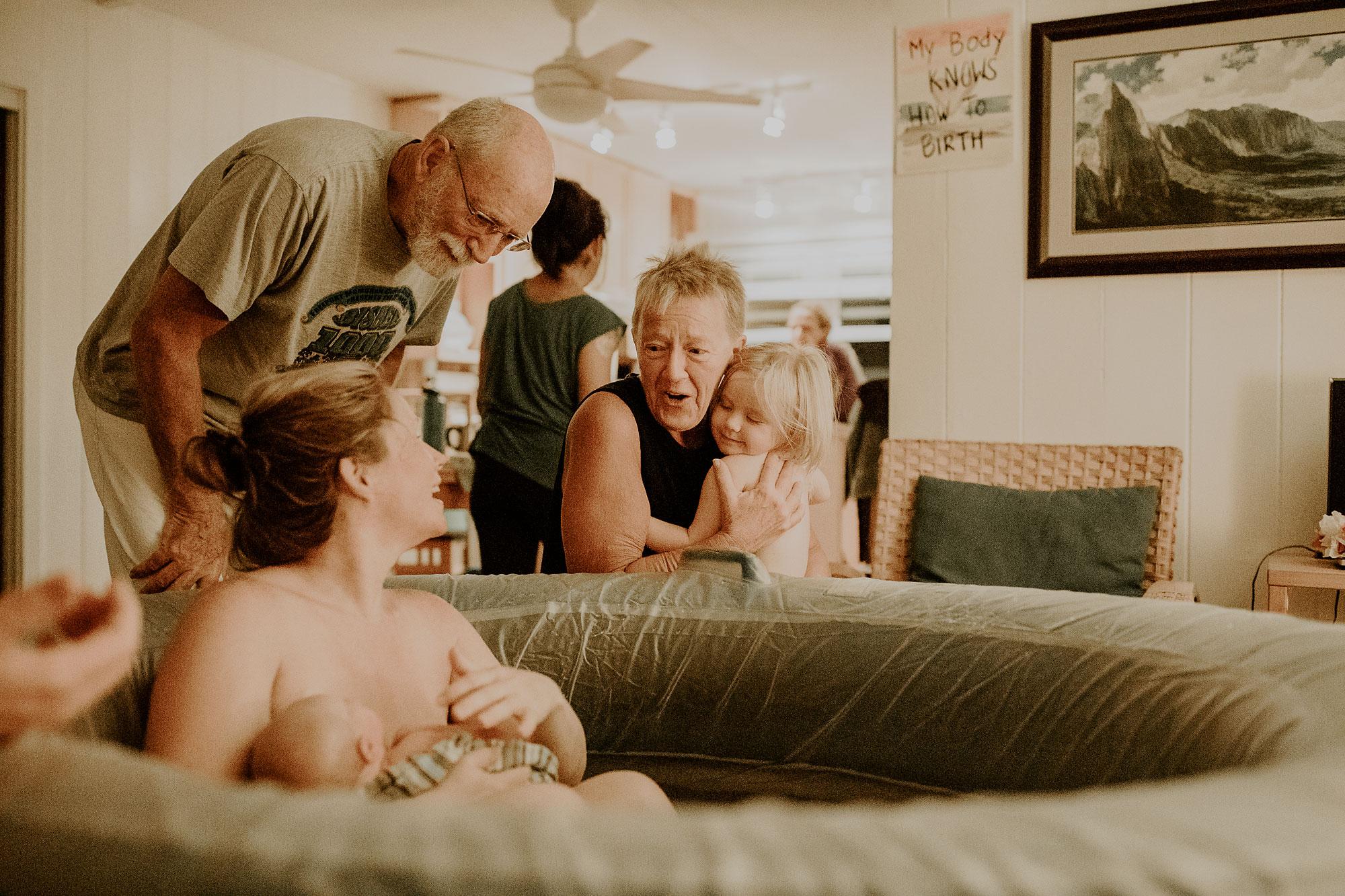 Oahu-Home-Birth-Photographer-21.jpg