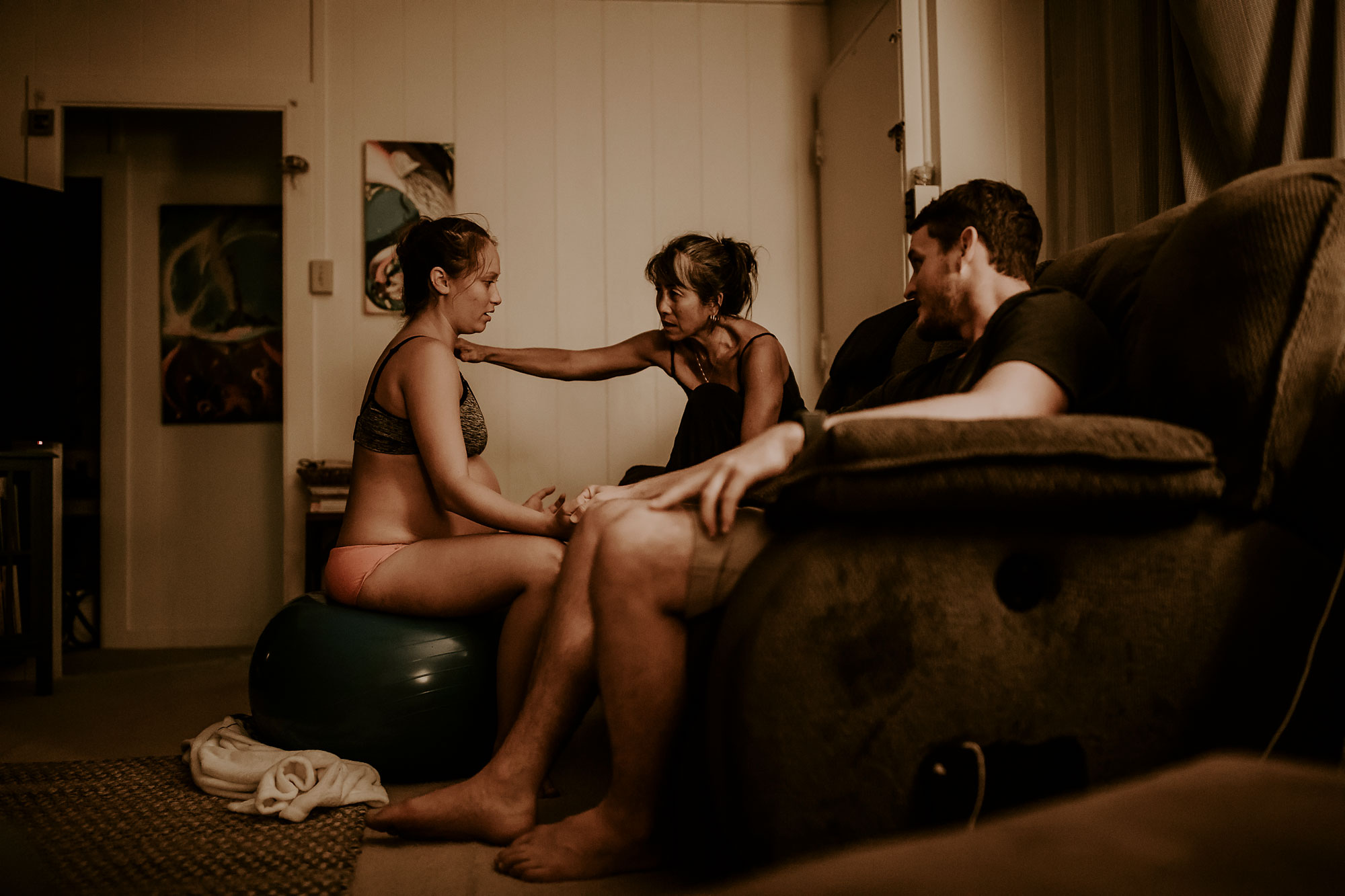 Honolulu-Hawaii-Birth-Photographer-Birth-Video-18.jpg