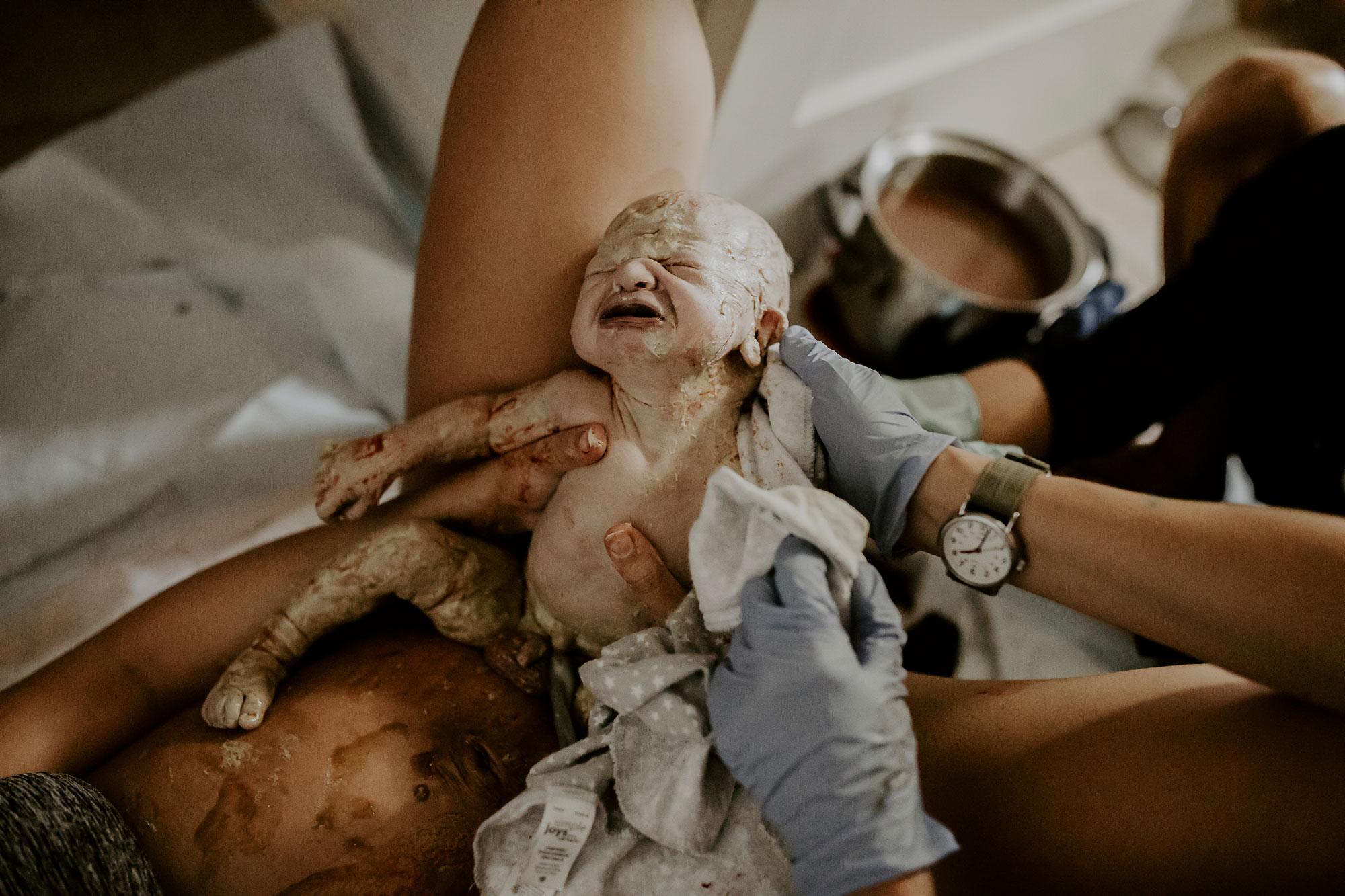 Honolulu-Hawaii-Birth-Photographer-Birth-Video-23.jpg