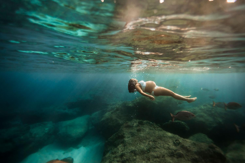 Hawaii-Underwater-maternity-photography-11.jpg