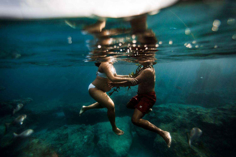 Hawaii-Underwater-maternity-photography-12.jpg