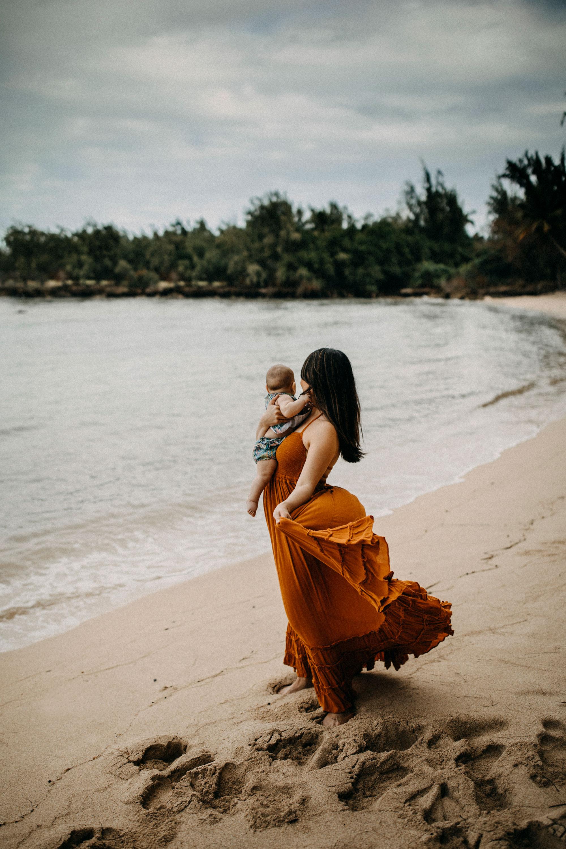 Family-Photographer-North-Shore-Oahu-Hawaii-09.jpg