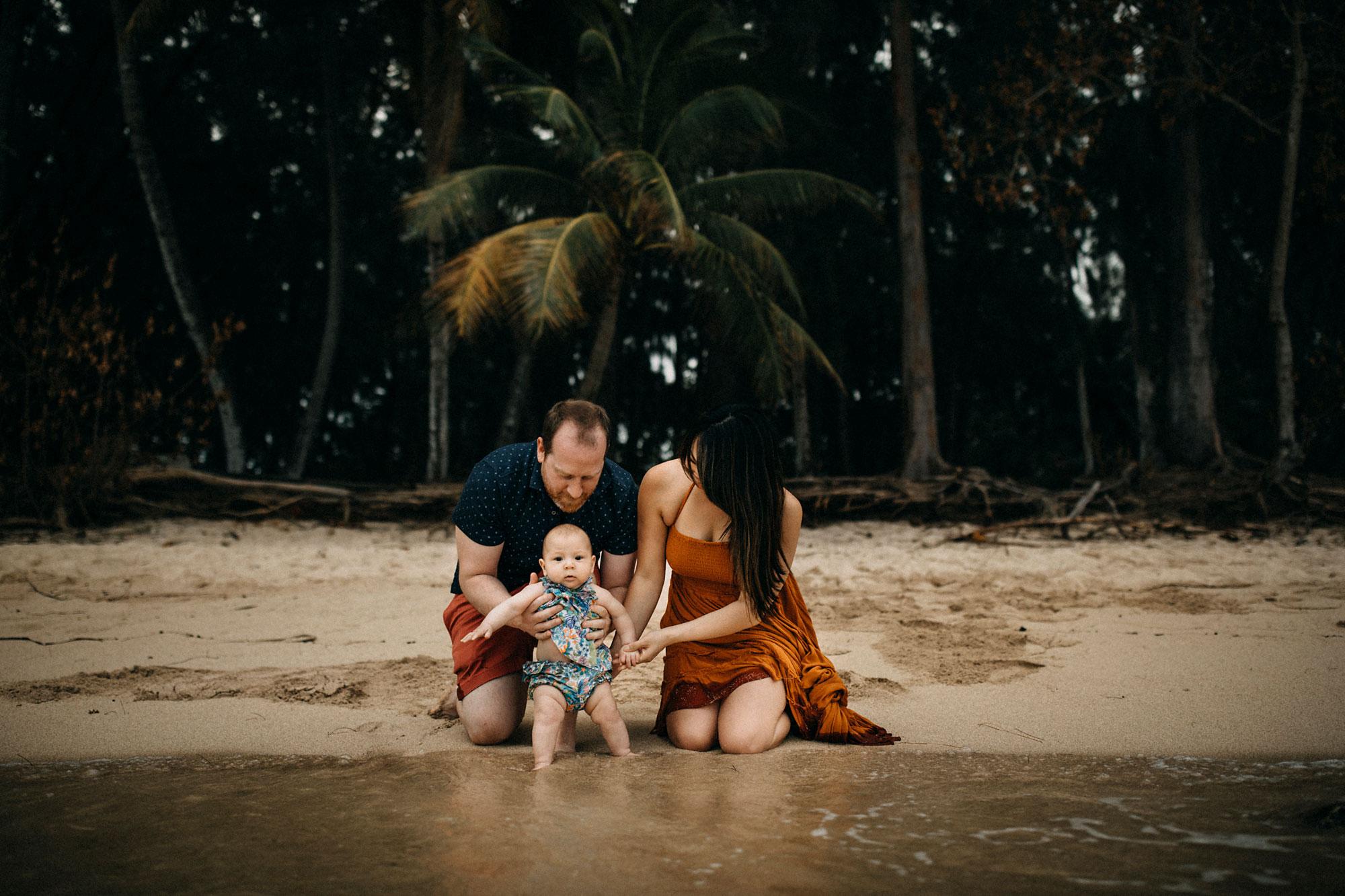 Family-Photographer-North-Shore-Oahu-Hawaii-14.jpg