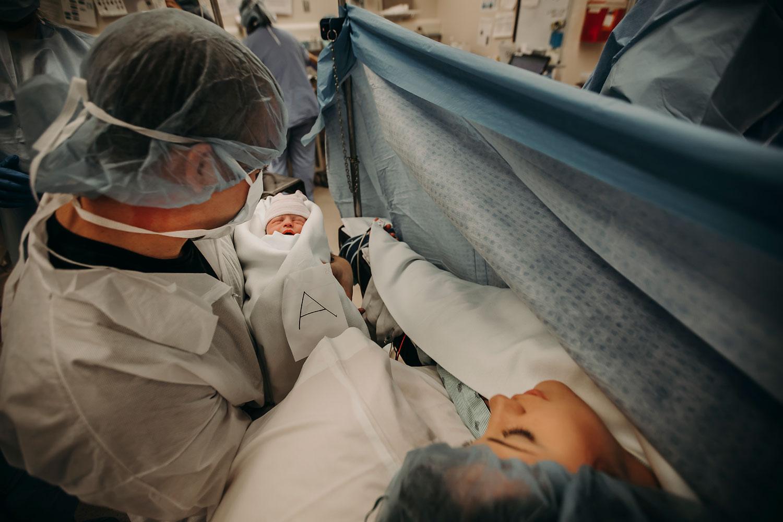 Hawaii-Birth-Photographer-Twins-Cesarean-16.jpg