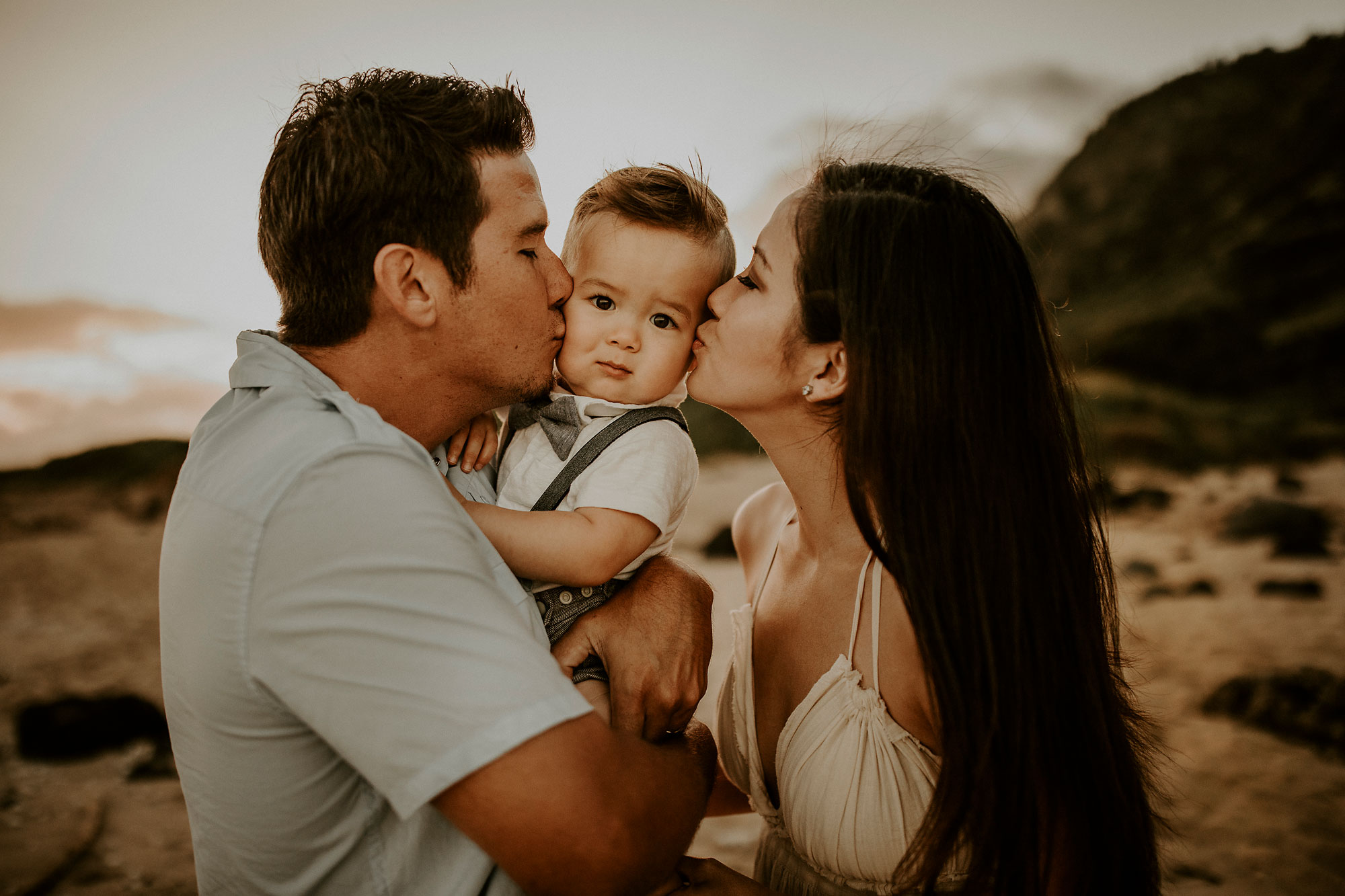 Kaena-Point-Sunrise-Family-Photographer-Hawaii-07.jpg