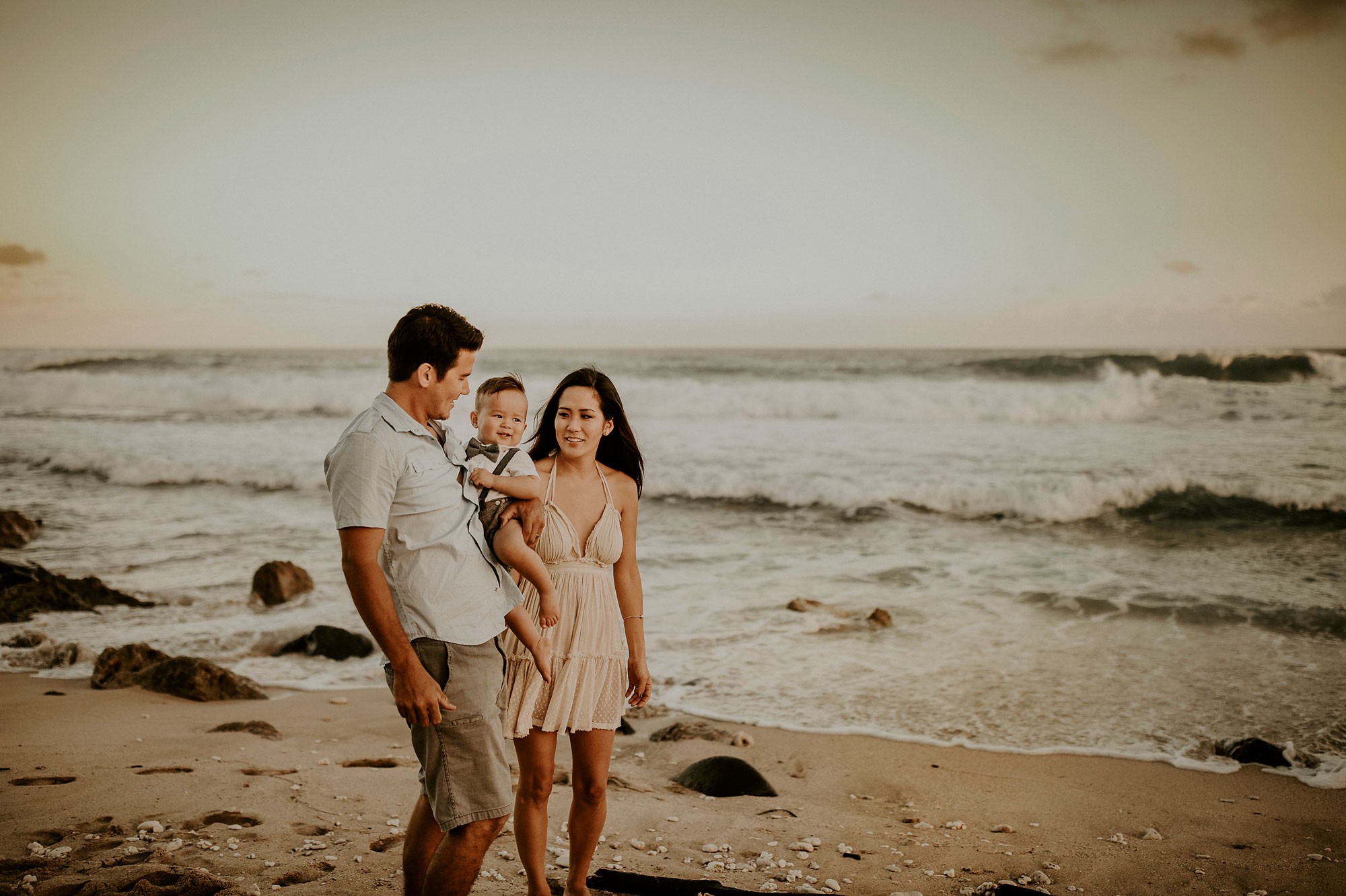Kaena-Point-Sunrise-Family-Photographer-Hawaii-08.jpg