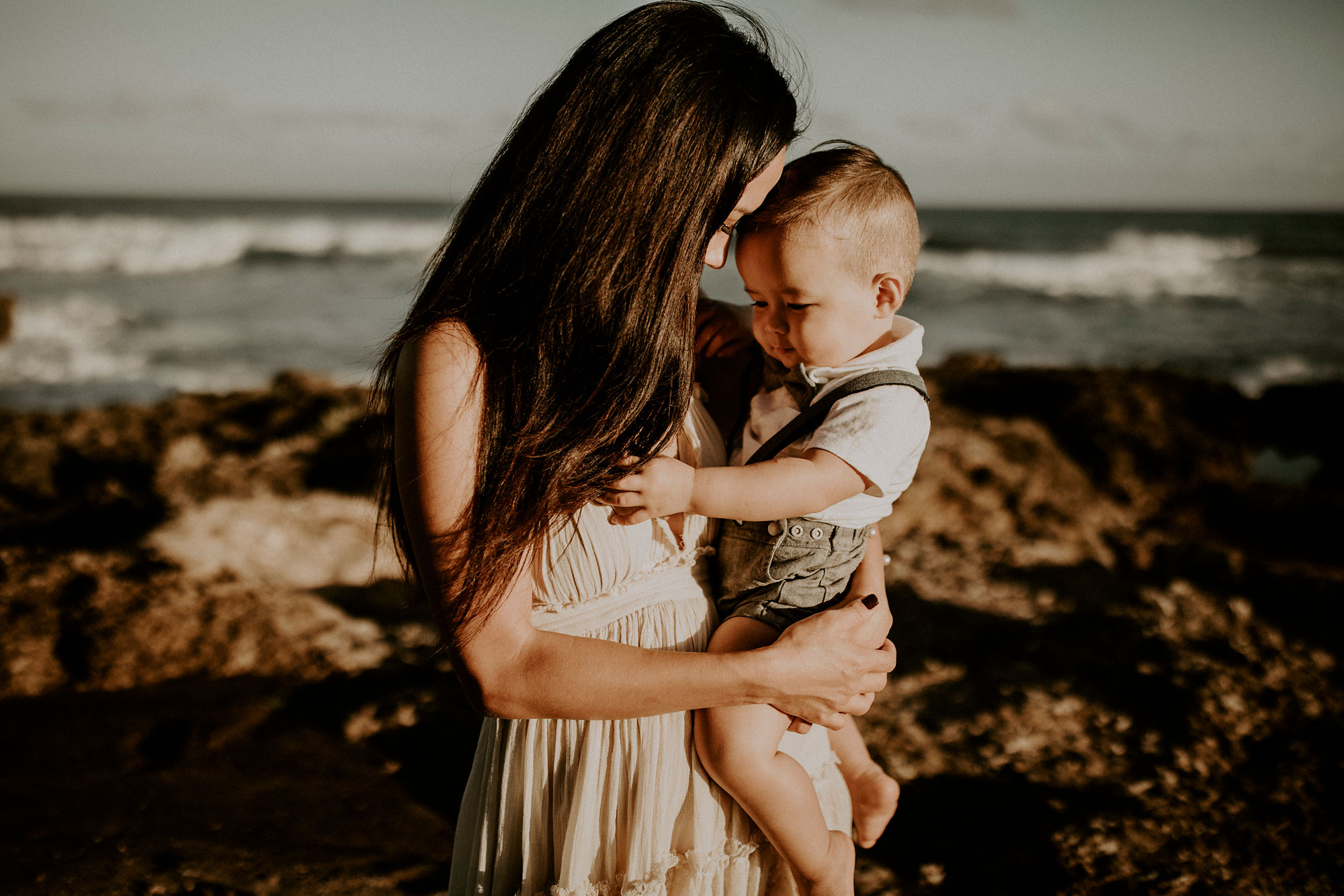 Kaena-Point-Sunrise-Family-Photographer-Hawaii-12.jpg