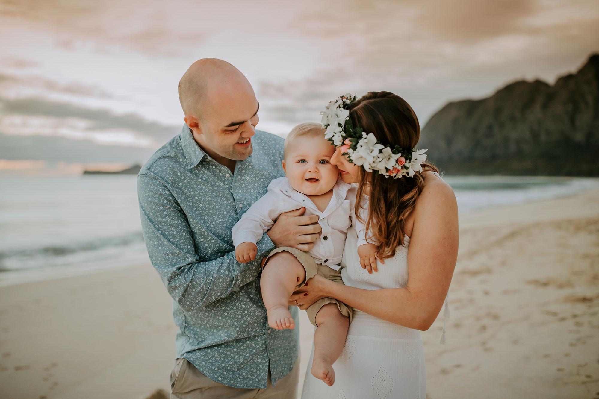 Hawaii-Oahu-Family-Photographer-03.jpg