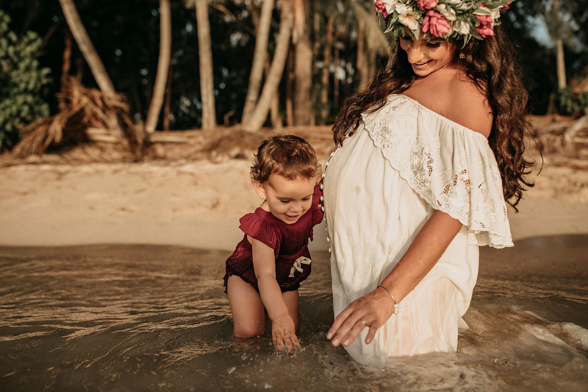 Hawaii-Oahu-Maternity-Photography-The-Sophia-Co-018.jpg