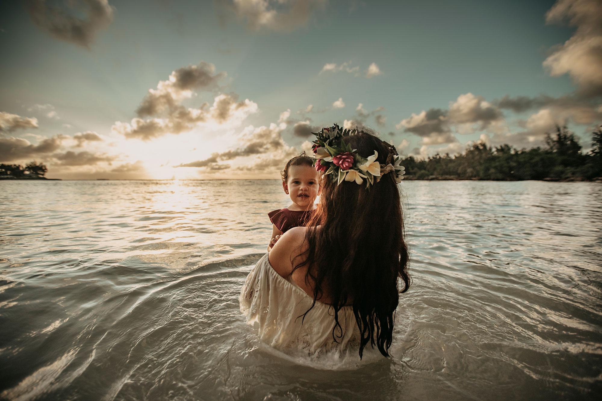 Hawaii-Oahu-Maternity-Photography-The-Sophia-Co-019.jpg