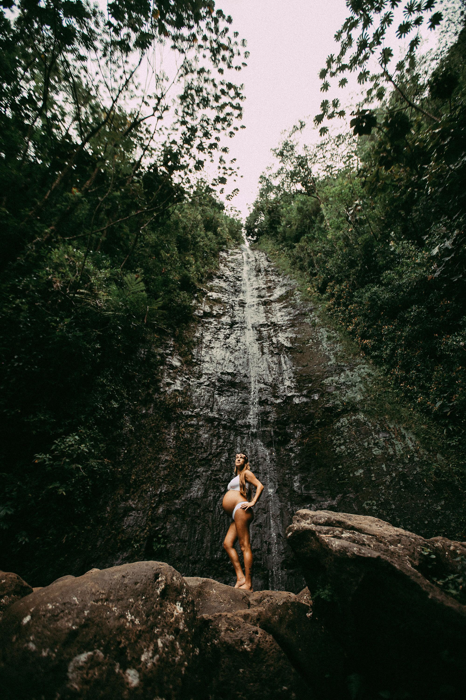 Oahu Hawaii Maternity Photographer Waterfall Maternity The Sophia Co 03.jpg