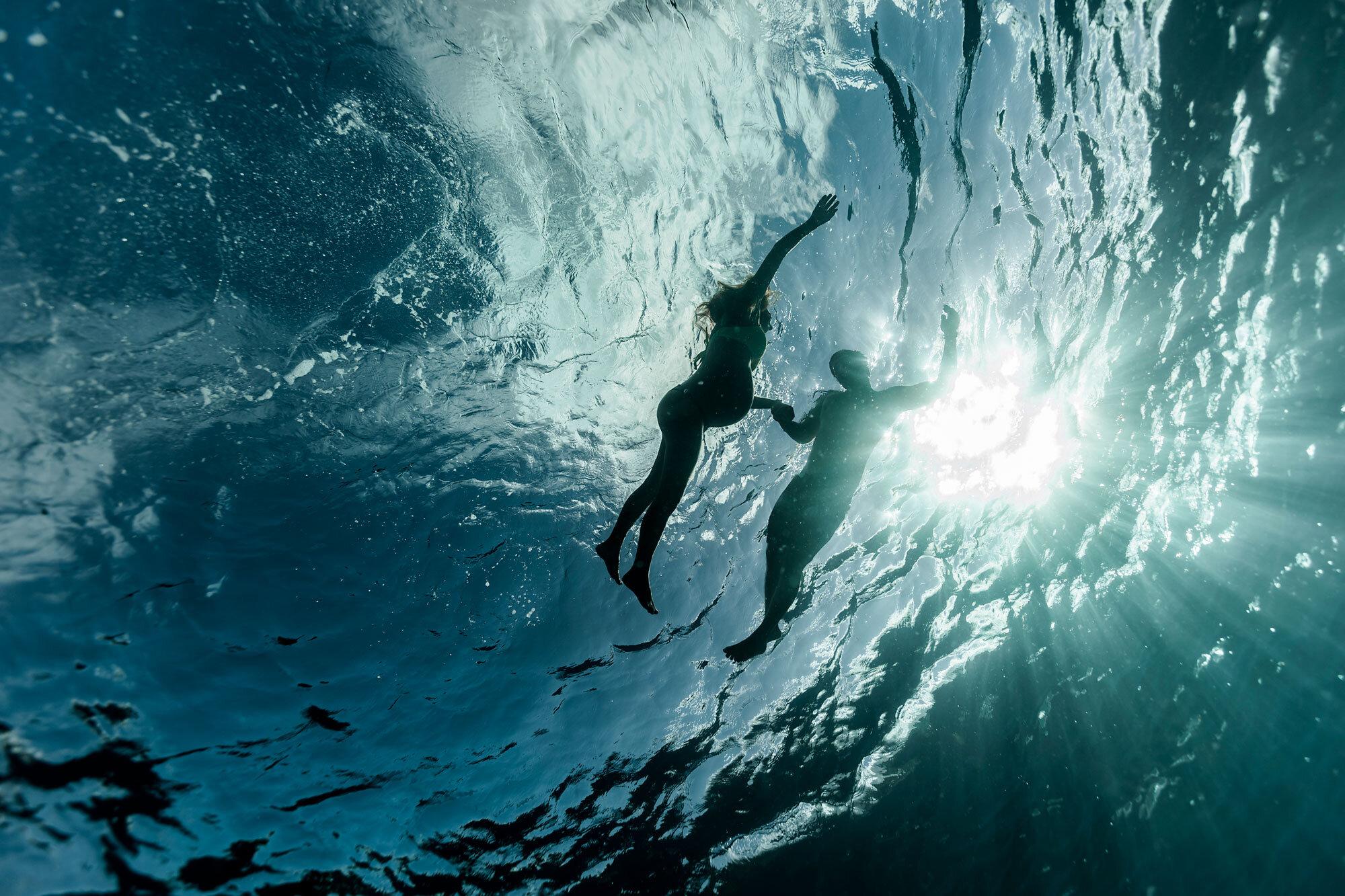 Oahu-Hawaii-Underwater-Photographer-Maternity-The-Sophia-Co16.jpg