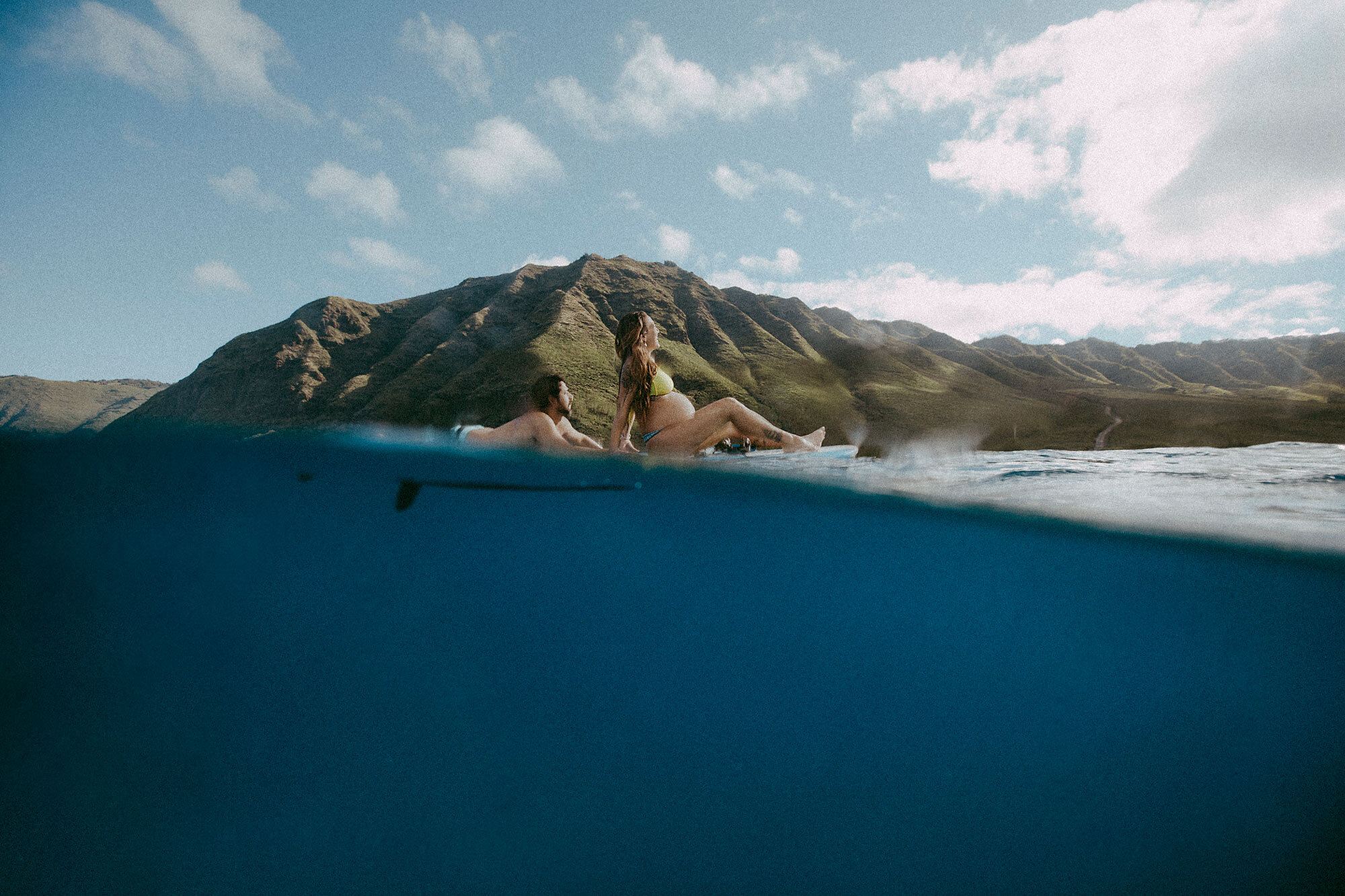 Oahu-Hawaii-Underwater-Photographer-Maternity-The-Sophia-Co18.jpg