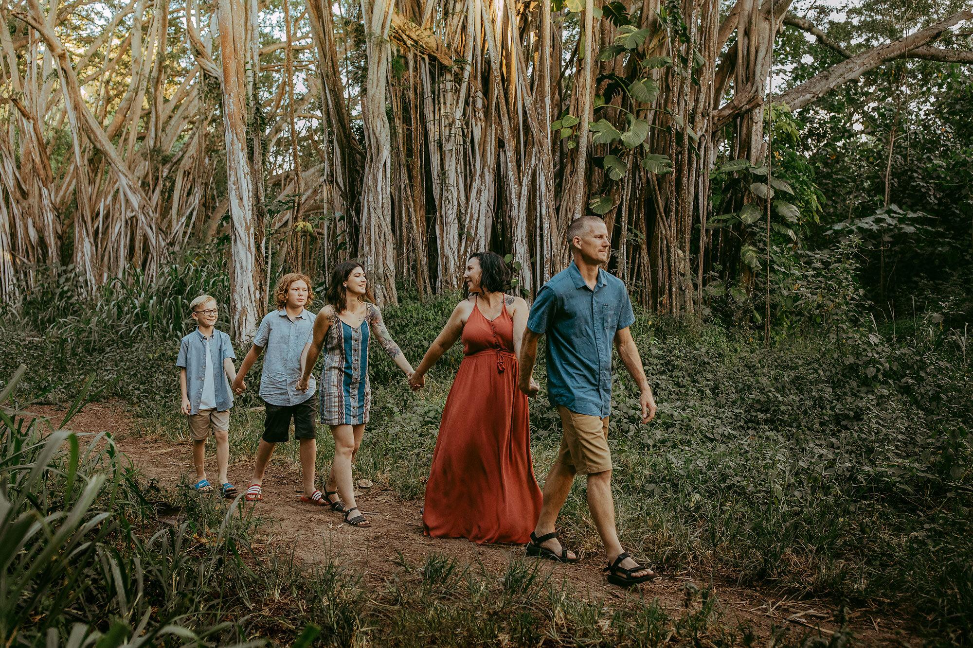 Oahu-Hawaii-Family-Photography-Family-Photos-04.jpg