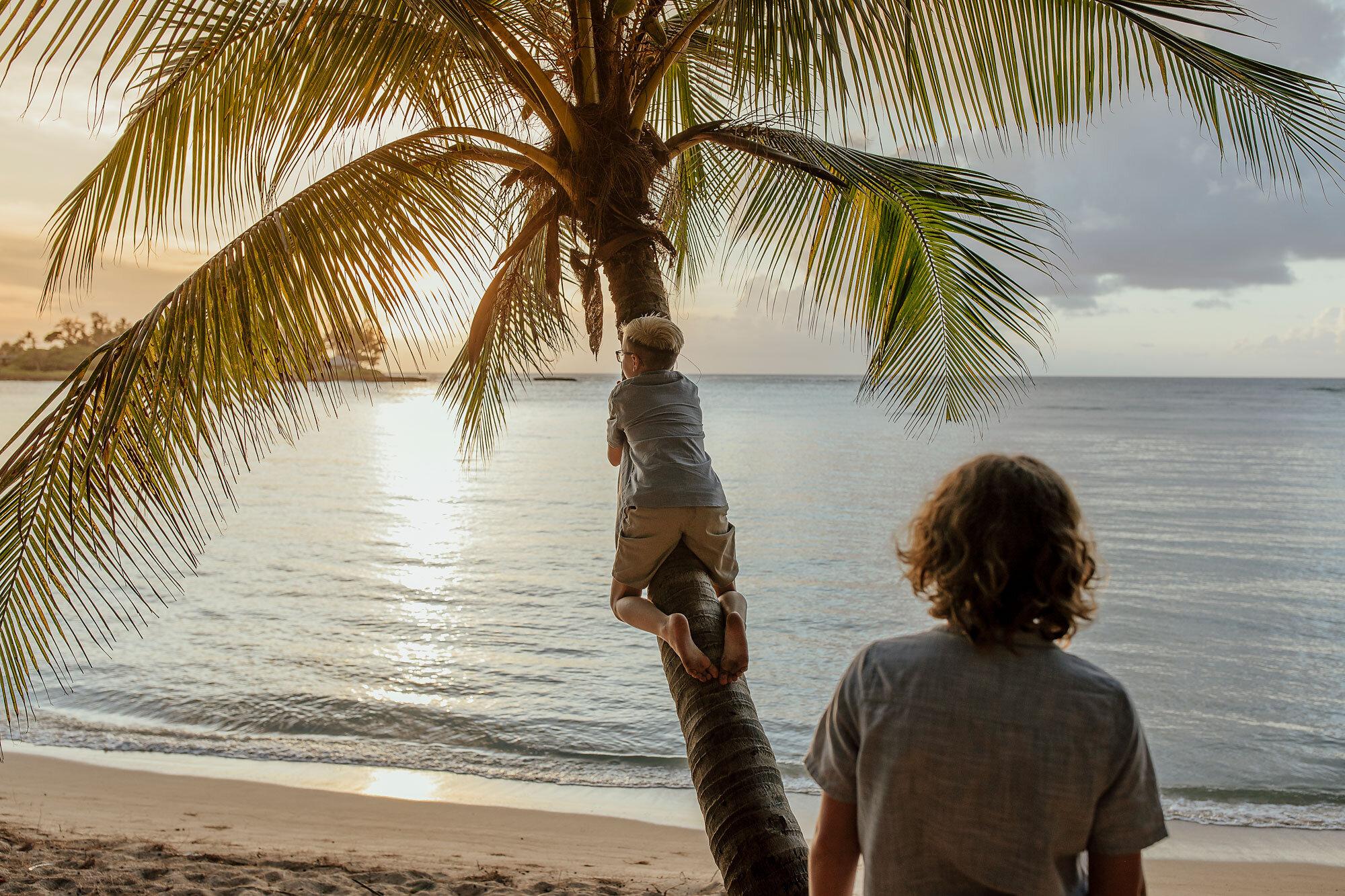 Oahu-Hawaii-Family-Photography-Family-Photos-09.jpg
