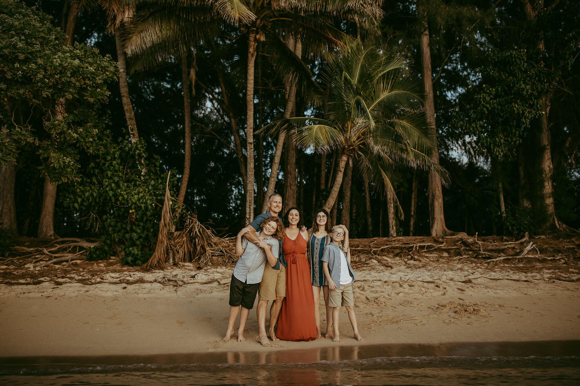 Oahu-Hawaii-Family-Photography-Family-Photos-12.jpg