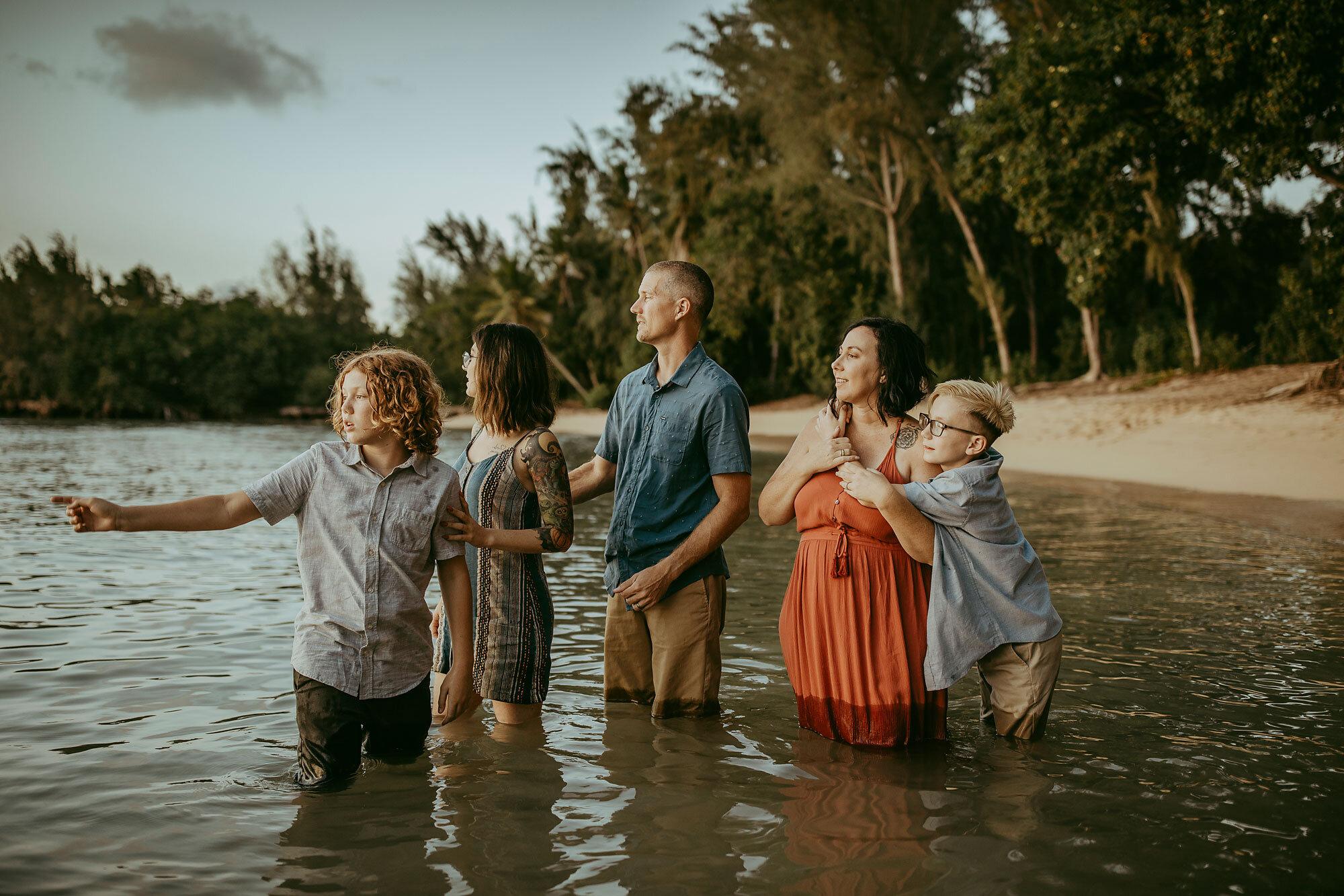 Oahu-Hawaii-Family-Photography-Family-Photos-16.jpg