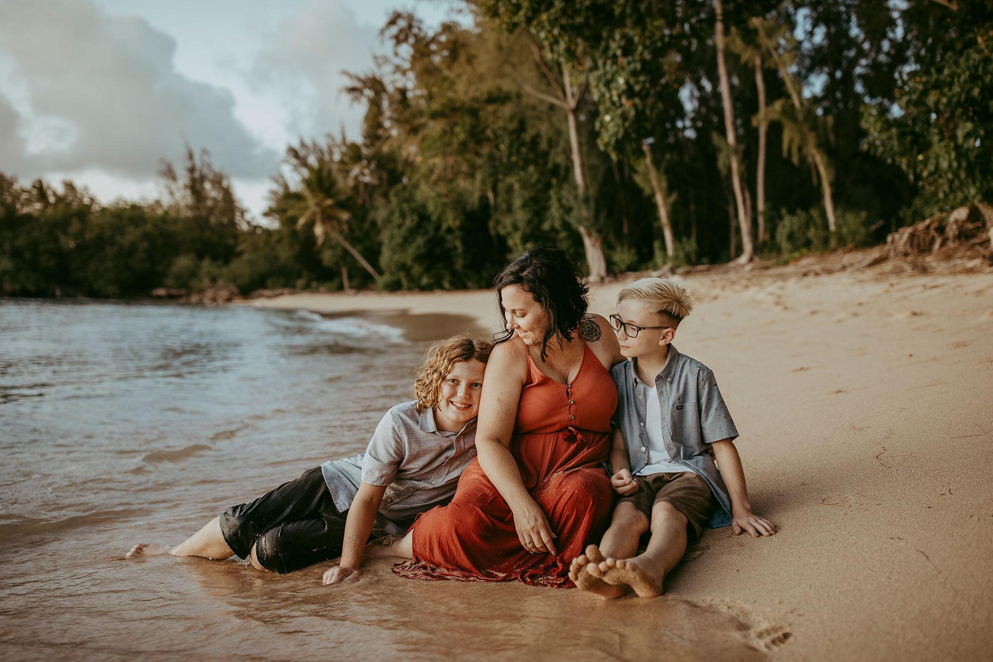 Oahu-Hawaii-Family-Photography-Family-Photos-20.jpg