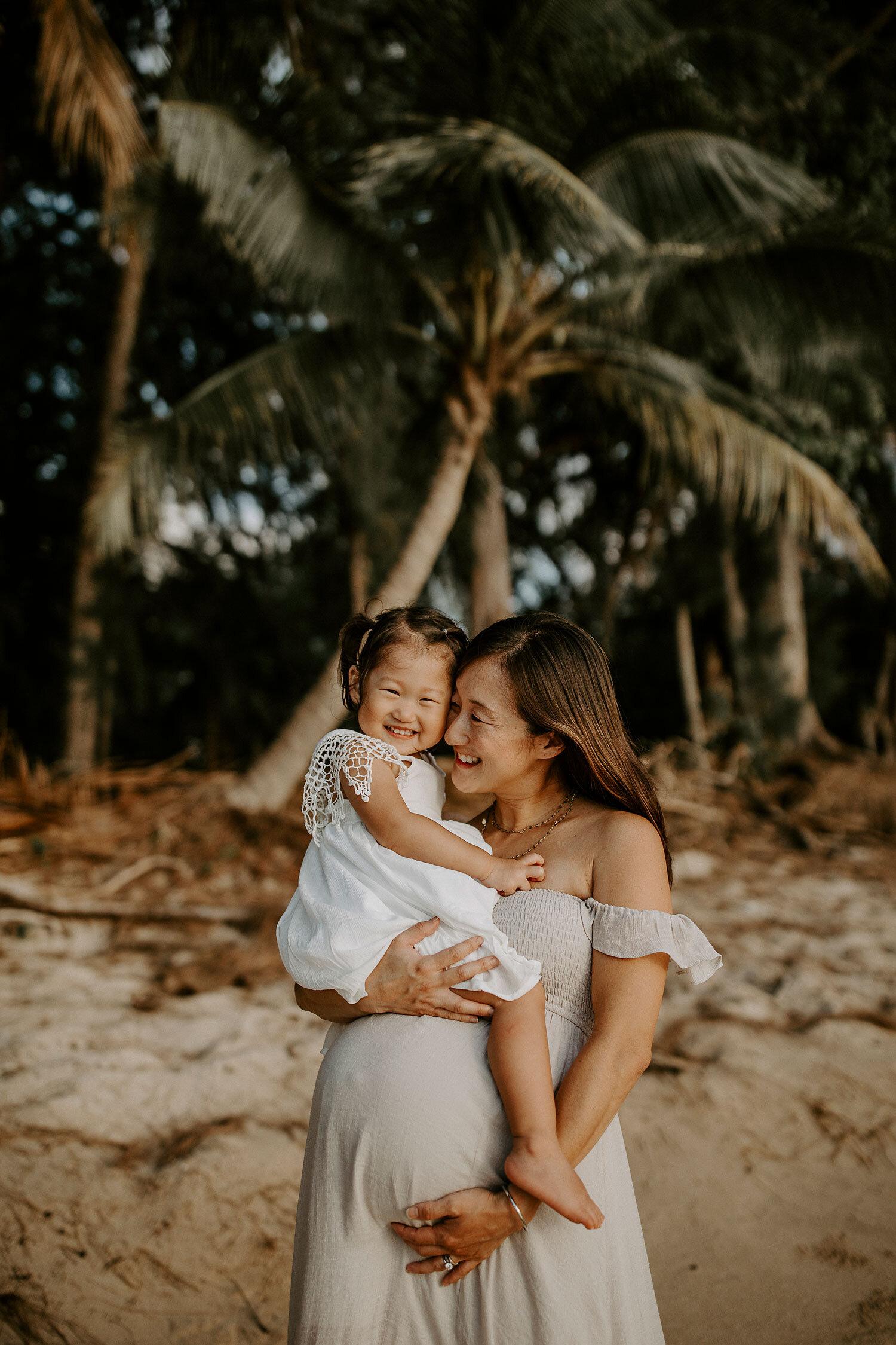 Oahu-Hawaii-North-Shore-Maternity-Photography-The-Sophia-Co-18.jpg