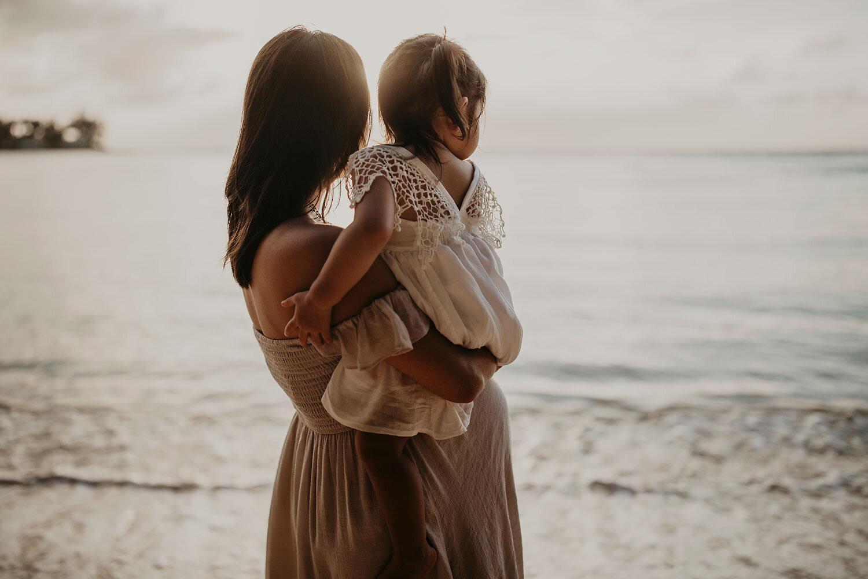 Oahu-Hawaii-North-Shore-Maternity-Photography-The-Sophia-Co-19.jpg