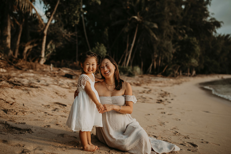 Oahu-Hawaii-North-Shore-Maternity-Photography-The-Sophia-Co-25.jpg