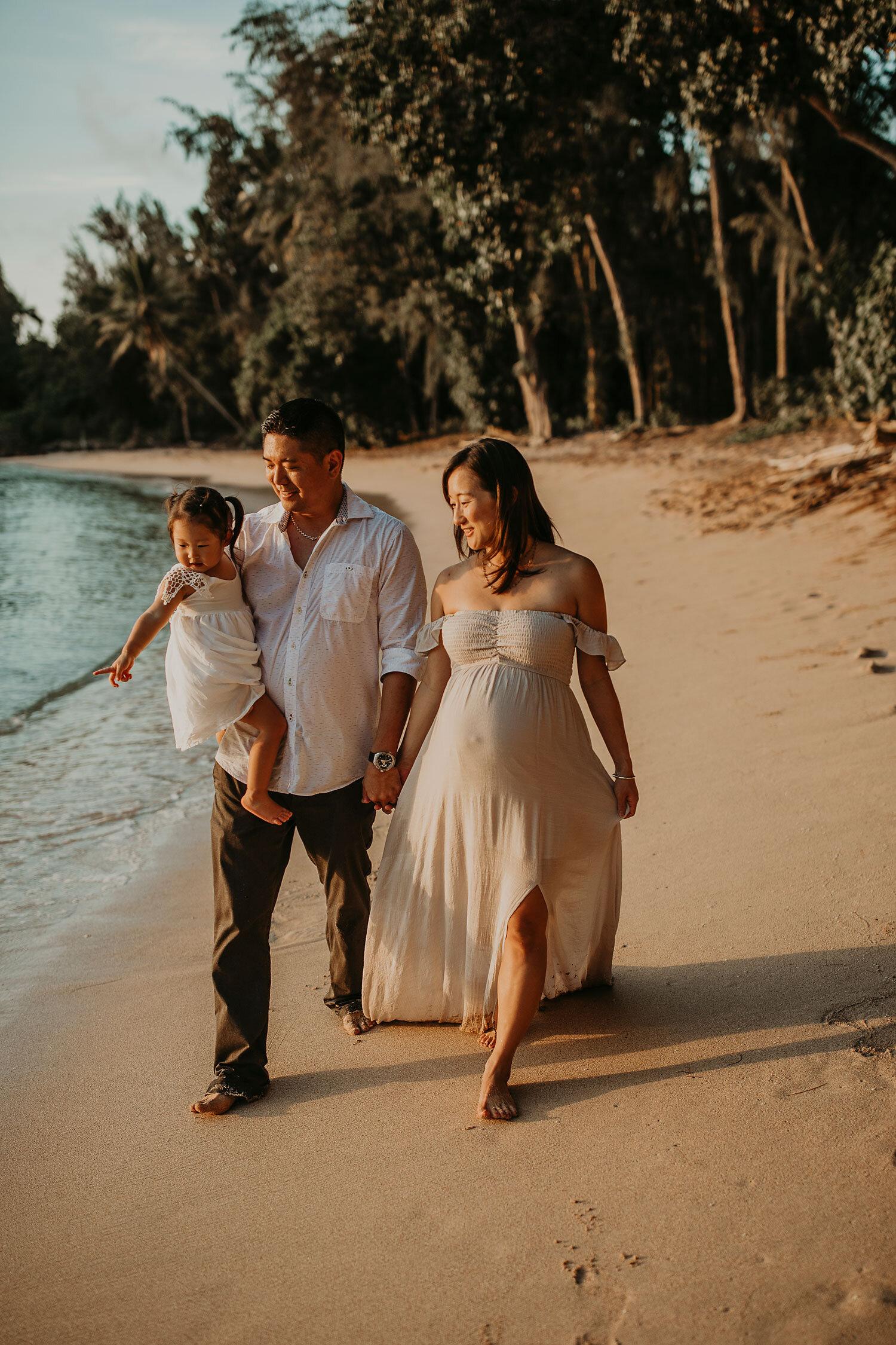 Oahu-Hawaii-North-Shore-Maternity-Photography-The-Sophia-Co-28.jpg